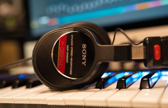 SONY-MDR-CD900ST